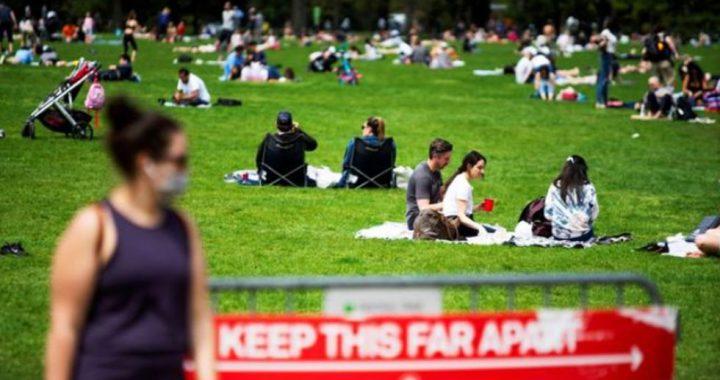 Central Park fue abarrotado por neoyorquinos y se tema rebrote de la COVID-19