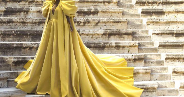 Ralph & Russo presentó a modelo creada de manera digital en su colección de alta costura