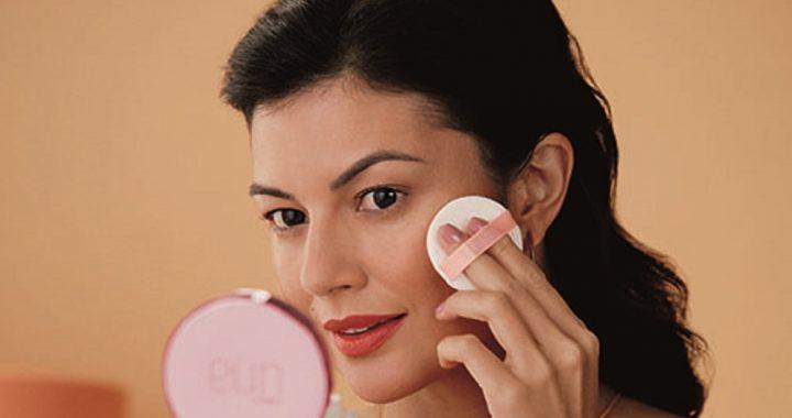 Rutina diaria para cuidar tu piel ante la exposición a la luz azul