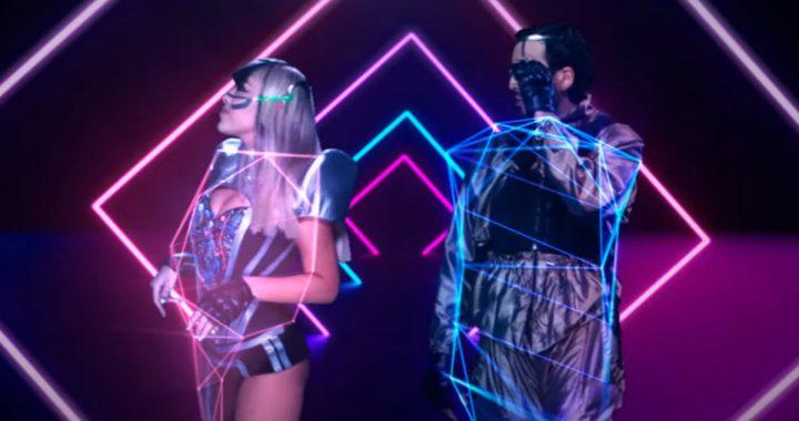 """Danna Paola y Sebastián Yatra lucen cómplices en el videoclip de """"No bailes sola"""""""