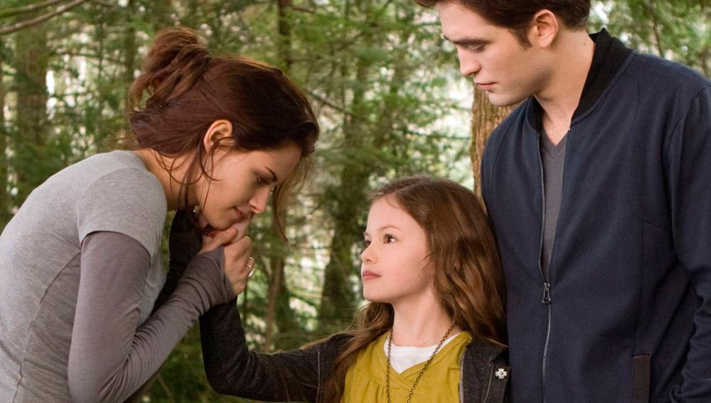 """""""Crepúsculo"""": ¿Por qué 'Renesmee' era un vampiro diferente al resto? Aquí la explicación"""