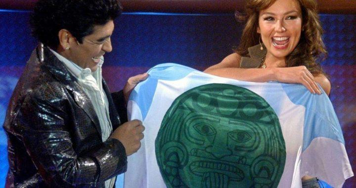 """Thalía y su emotiva carta a la memoria de Diego Armando Maradona: """"Fue un placer conocerte"""""""