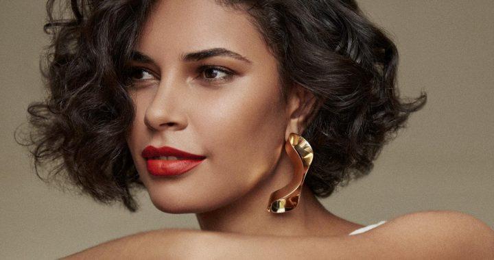Cinco pasos para lucir un maquillaje increíble esta Navidad