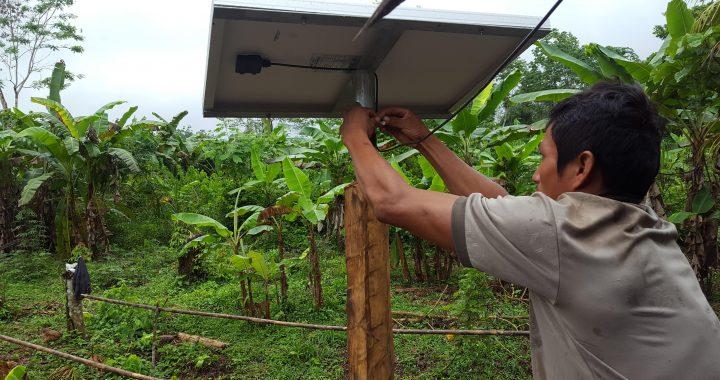 La fundación acciona.org lleva luz a familias en la Amazonía de Loreto con su programa «Luz en casa»