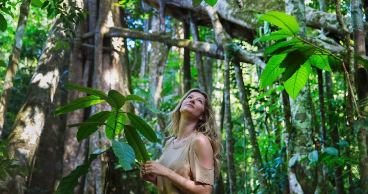 Gisele Bündchen es la nueva embajadora de Natura Ekos y refuerza la causa Amazonia Viva