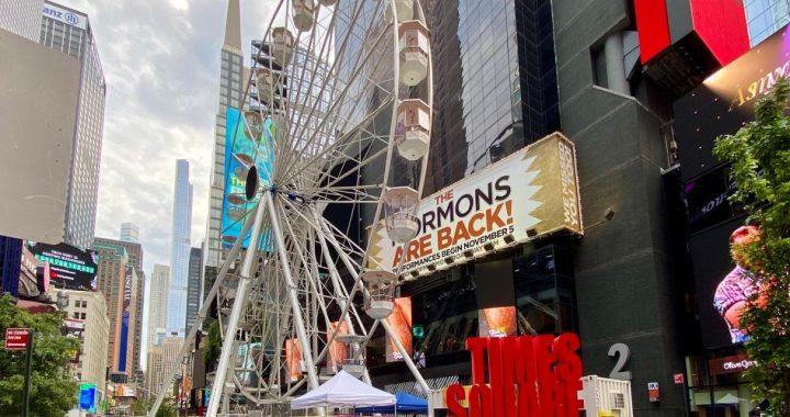 Nueva York apunta a tener el mejor selfie con una rueda de Chicago en Times Square